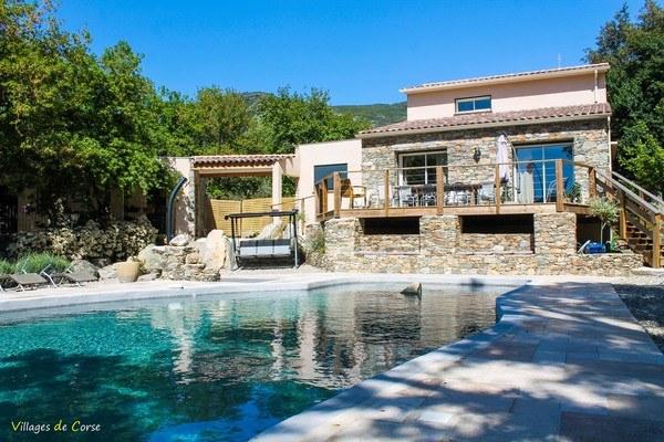 Casa Andria à Barbaggio - Gîte, Chambres d'hôtes - piscine