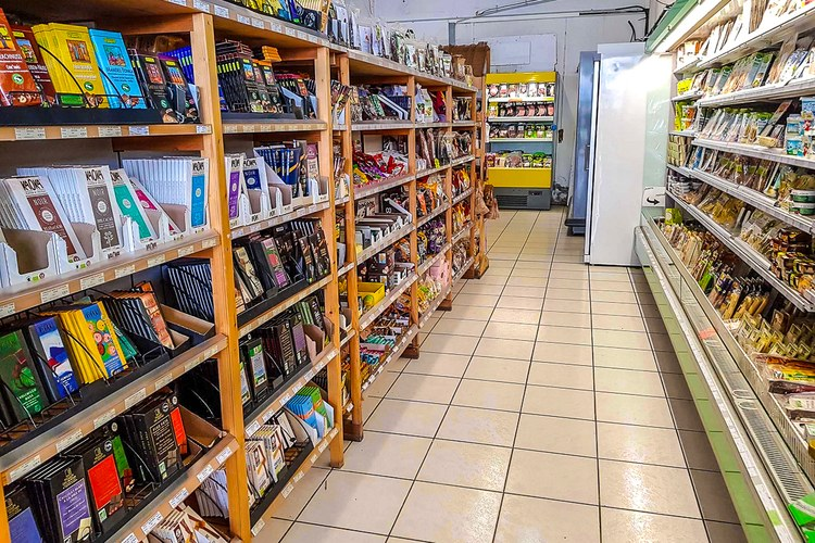 la roulotte furiani supermarch bio magasin d 39 agriculture biologique bastia et ajaccio. Black Bedroom Furniture Sets. Home Design Ideas
