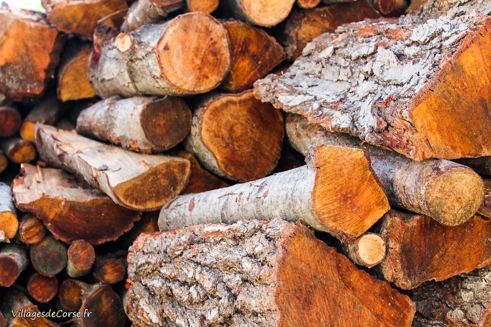 Livraison bois de chauffage chene corse