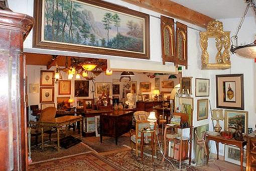 antiquit s antiquaire bastia lionel boutet villages de corse. Black Bedroom Furniture Sets. Home Design Ideas