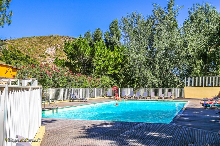Camping la pin de saint florent piscine rivi re for Camping corse bastia avec piscine