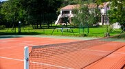 Terrain tennis hôtel Chez Walter