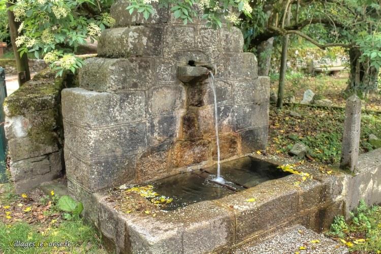 Fontaine col de vizzavona Monte d Oro Hôtel à Vivario