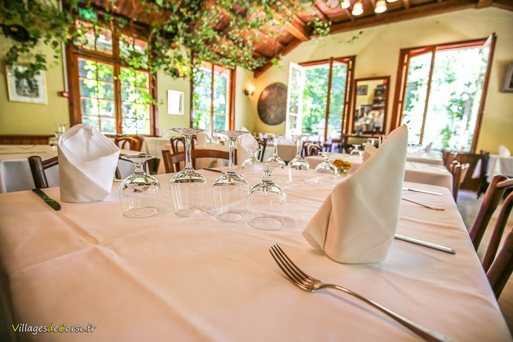 Table restaurant Monte d Oro Hôtel à Vivario