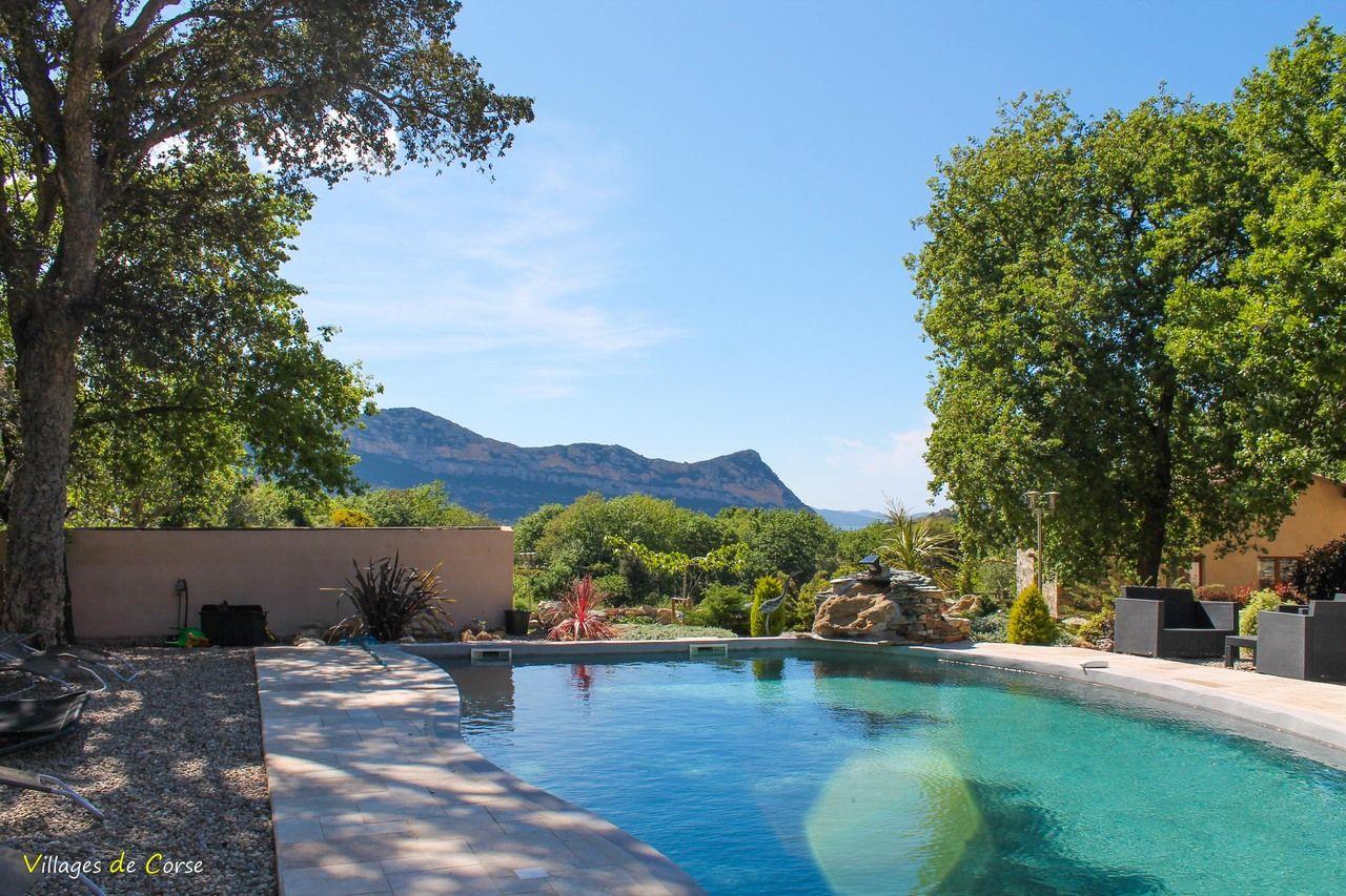 Casa andria barbaggio g te et chambres d 39 h tes avec for Hotel hautes alpes avec piscine