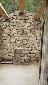 Pose de croix et mur en pierres seches