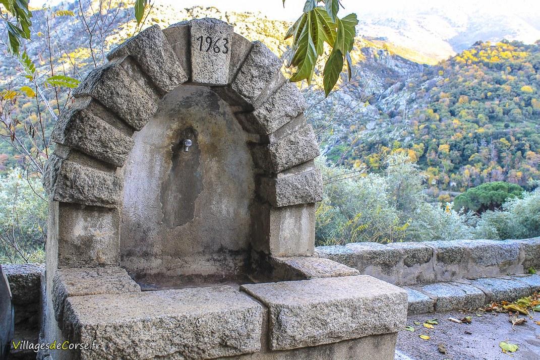Fontaine - Muro