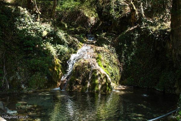 Rivière - Bisinchi