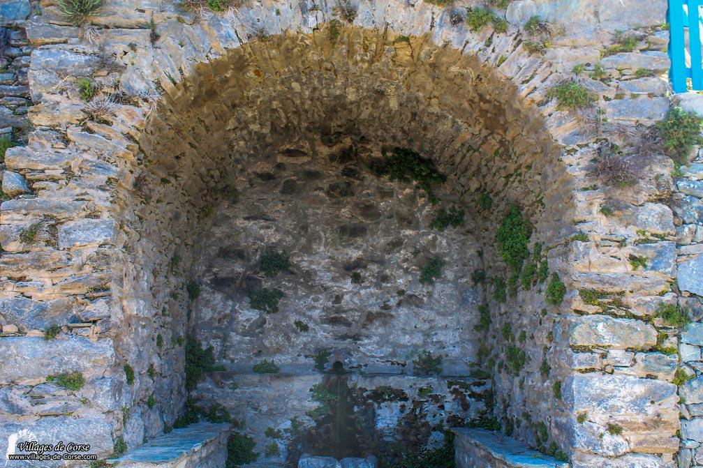 Fontaine - Castello di Rostino