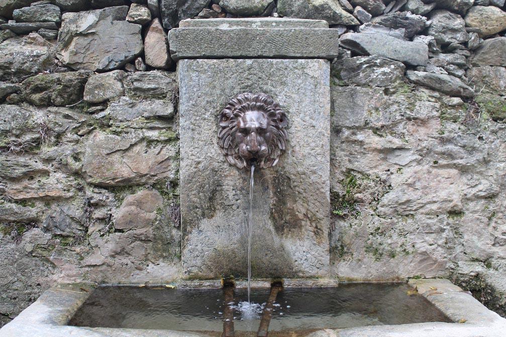 Fontaine - La Porta