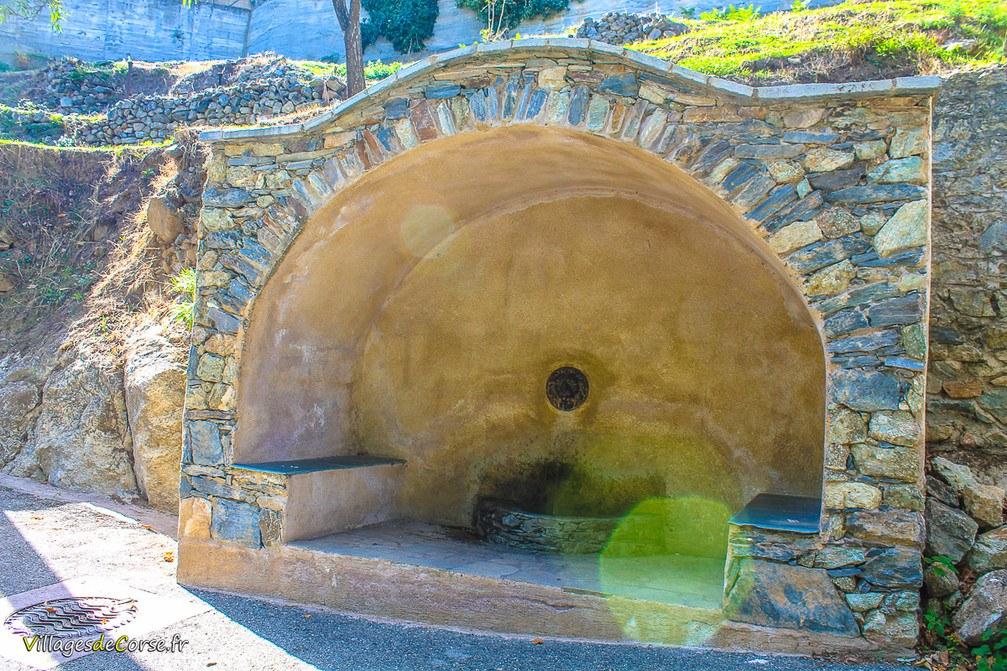 Brunnen - Castirla