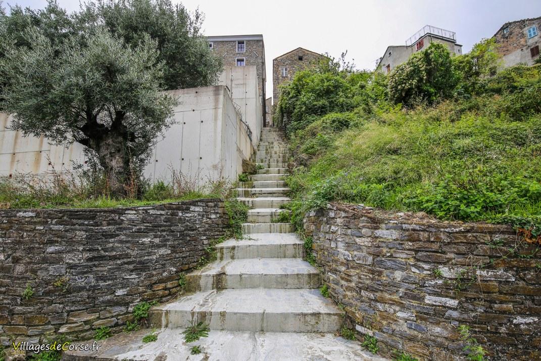 Escaliers - Santa Maria Poggio