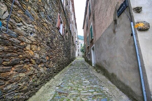 Gasse - Santa Maria Poggio