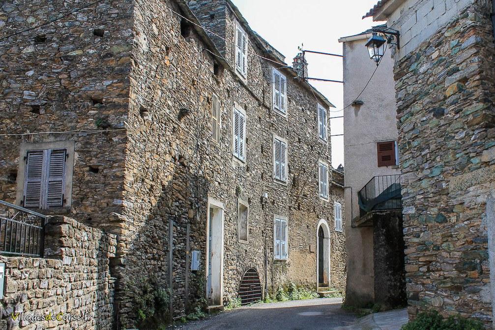 Maison en pierres - Talasani