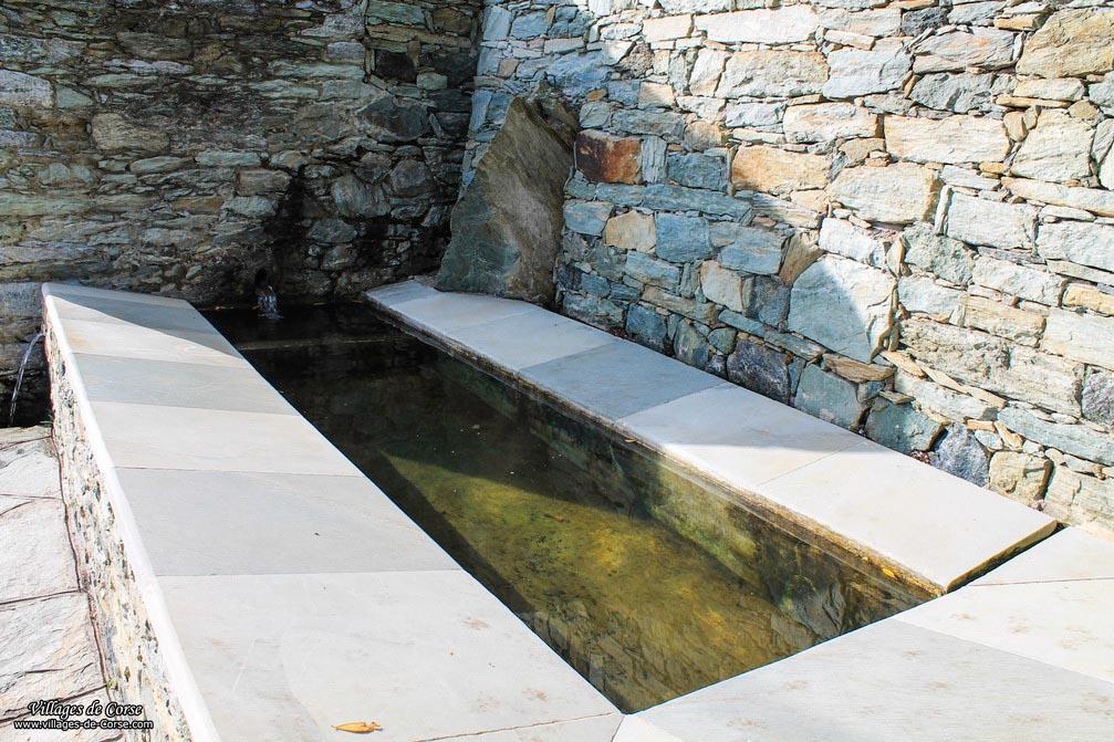 Fontaine - Bigorno