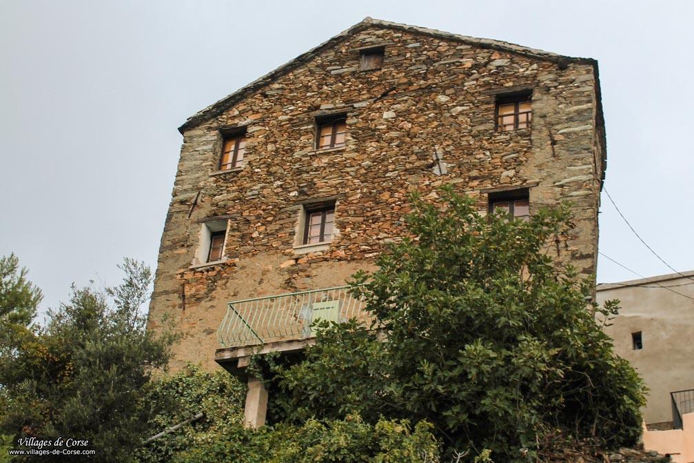 Maison en pierres - Lento