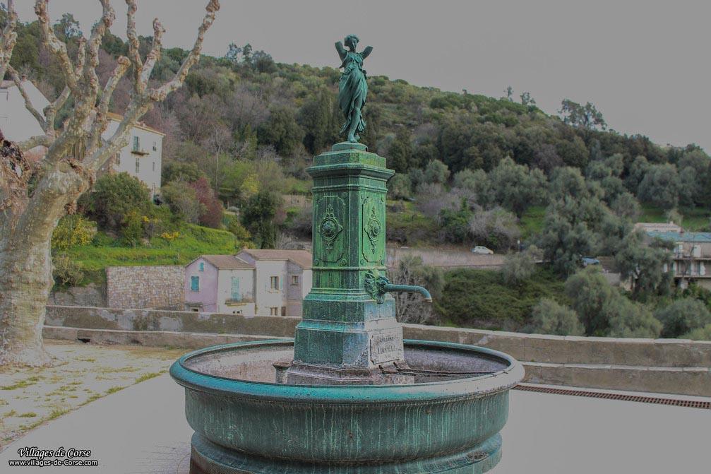 Fontaine place de l'Eglise - Lucciana