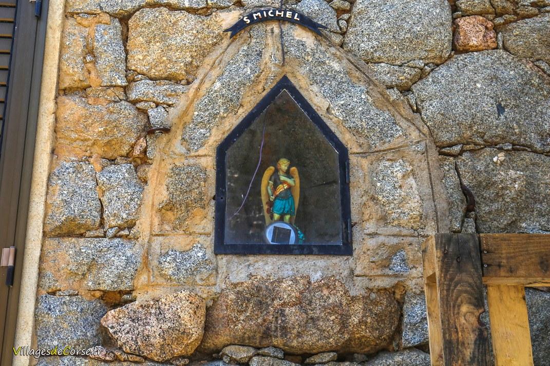 Statue - Valle di Mezzana