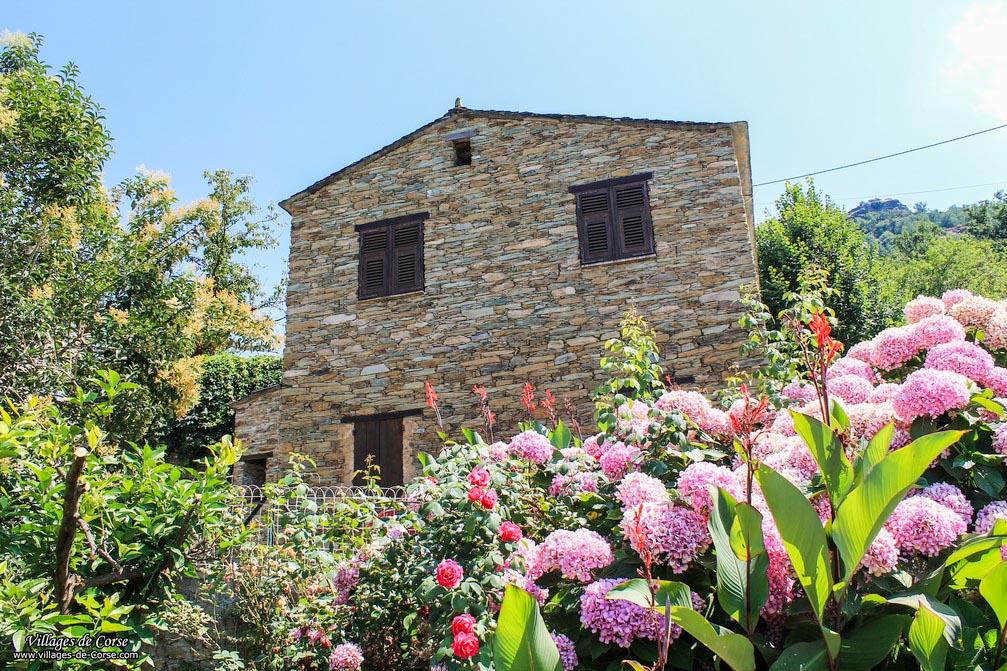 Maison en pierres - Sorio