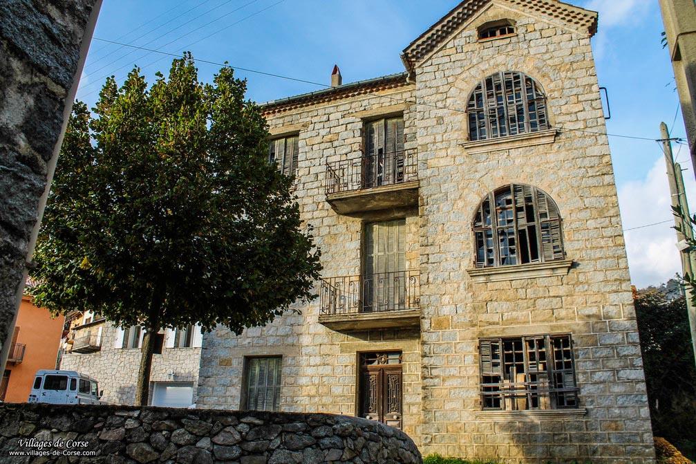 Maison en pierres - Bastelica