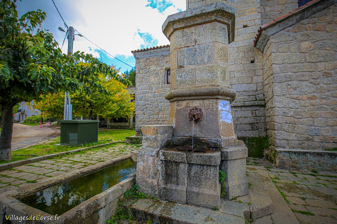 Fontaine de l'Eglise - Arbellara