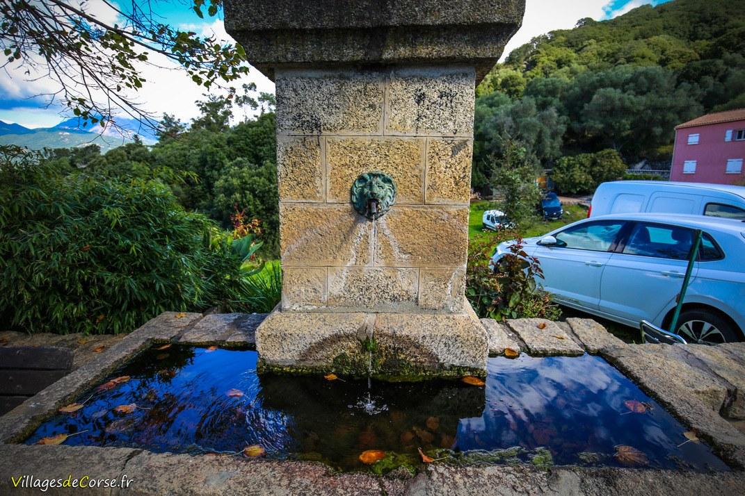 Fontaine de l'Eglise - Viggianello