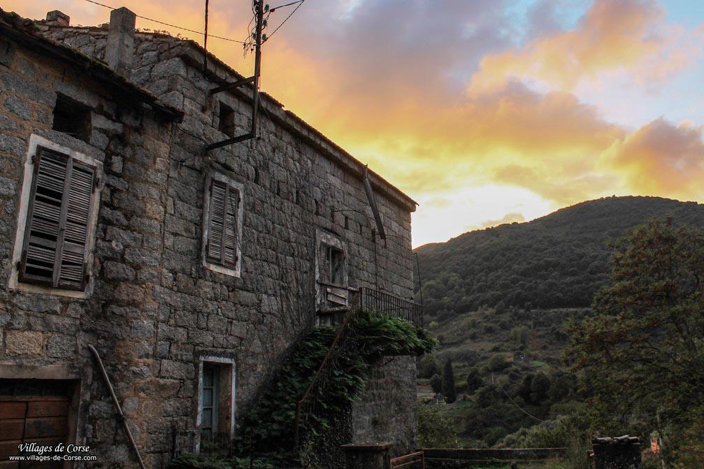 Maison en pierres - Guargualé
