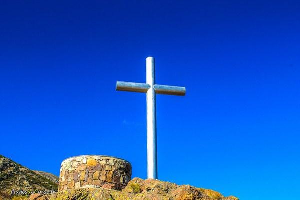 Croix depart randonne lac de creno soccia à Orto