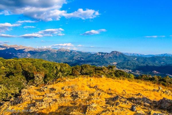 Monti d ignascu cutuli curtichjatu Monte Aragnascu à Cuttoli Corticchiato