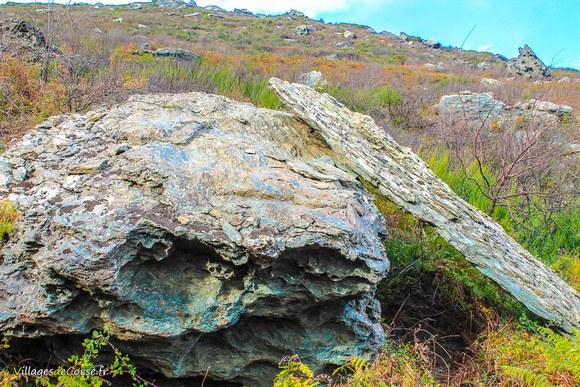 Rocher Défilé du Lancone à Olmeta di Tuda